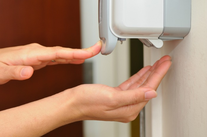 Hand sanitising liquid